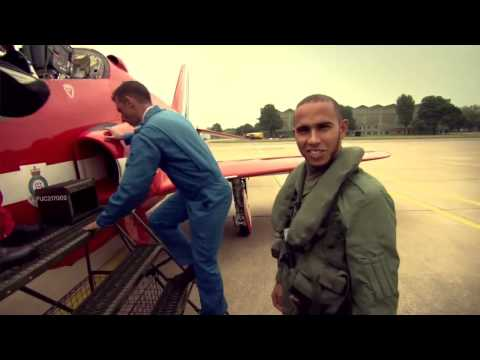 Lewis Hamilton flies with the RAF Red Arrows (BBC Sport F1 2013) - British Grand Prix