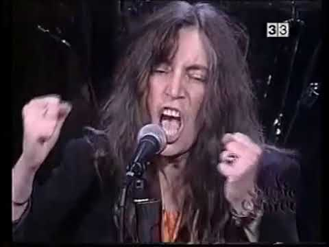 Dead City  Patty Smith and Band Live