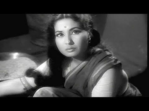 Meena Kumari's struggle in life - Sahara - Scene 1/15