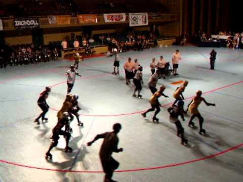 BAD Girls 2010 WFTDA Western Regional Tournament Burly Bot Scores! a