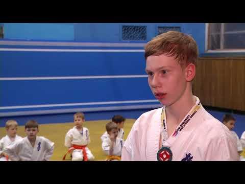 Сборная Омска по киокушин каратэ завоевала 11 медалей в финальном турнире Кубка России