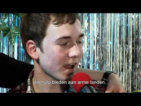 MDGSPOT - De Herman en Hermien Show - Op de bank -...