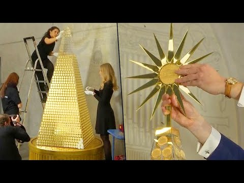 Shelley Wade - Here's Why This Christmas Tree Is Worth $2.6 Million