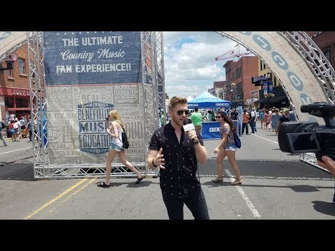 2017 CMA Music Fest Daily Recap: Brandon Ray Takes to the Streets