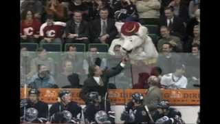 Craig MacTavish vs. Harvey the Hound
