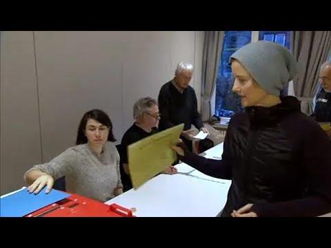 الاشتراكيون يسعون للصمود واحتواء تقدم الخضر في انتخابات هامبورغ…