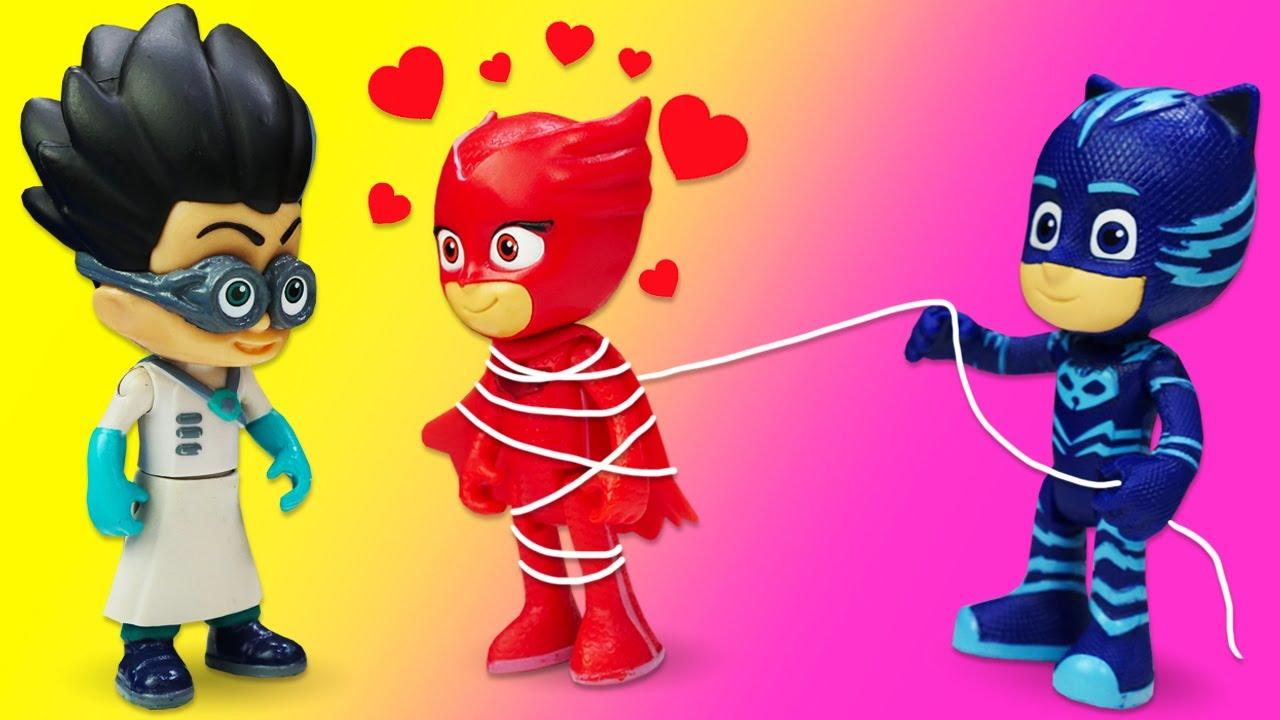 Игрушки Герои в масках: Ромео в лаборатории подбросил любовное зелье Гекко и Алетт! Они грабят банк!