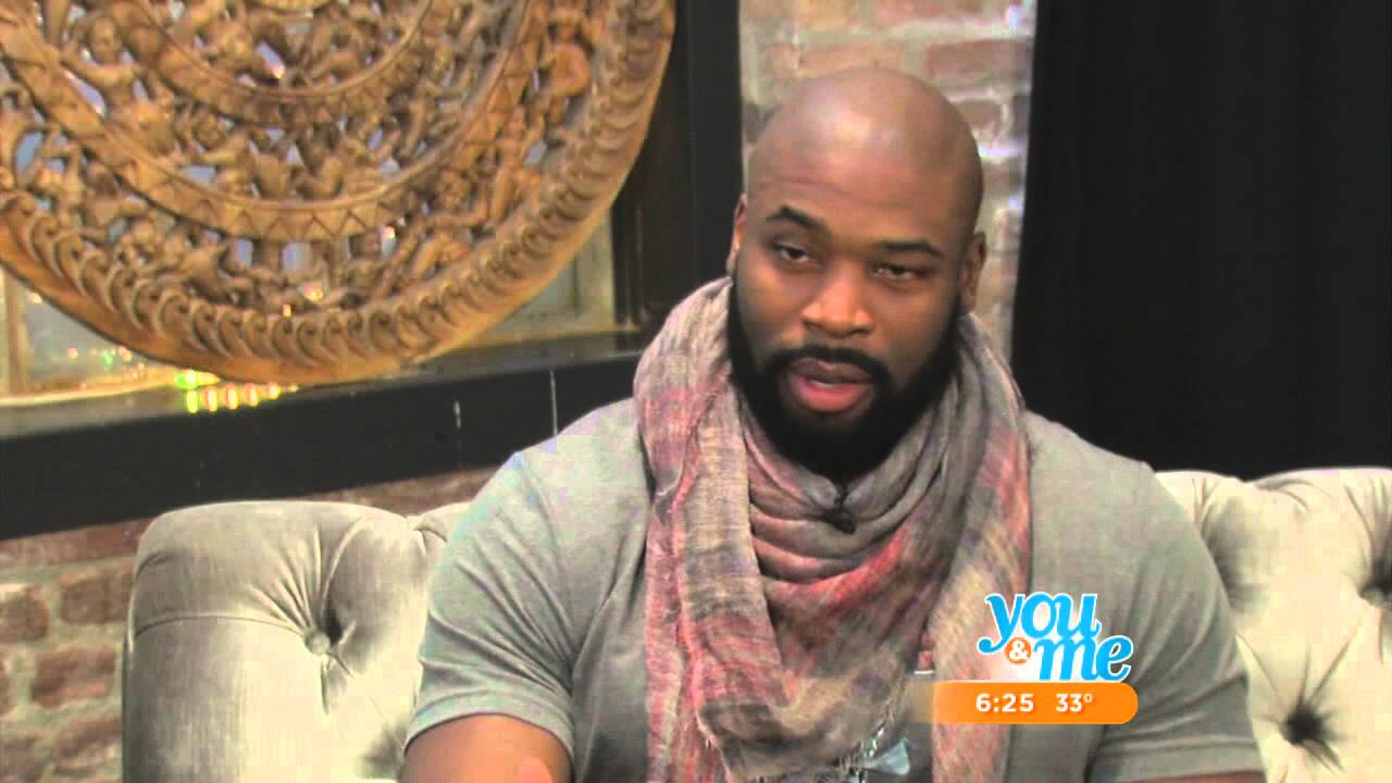 Israel Idonije's Path From Nigeria To The Chicago Bears - YouTube