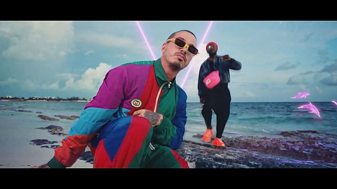 Download Mix Reggaetón 2019-2020 Welcome, New Year 2020 - DJ LeonKing