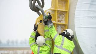 Baixar Witness the Installation of a Giant GE Wind Turbine in the Netherlands