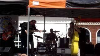 Lennon Z and the Sickboys Trio - Rockabilly Bastard (Johnny Legend)