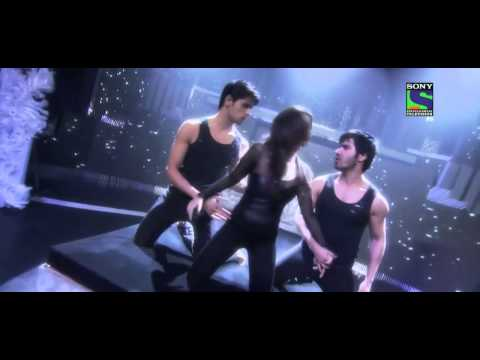 Alia Bhatt sizzling performance in Filmfare Award [HD]