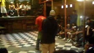 bboy ronny vs bboy mesias ( break dance aqp )tacana tacna eliminatorias