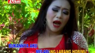 Video Dangdut Terbaru SUAMI GILA BATU Voc.ADE IRMA download MP3, 3GP, MP4, WEBM, AVI, FLV Juni 2018