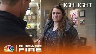 Casey Helps a Woman Who Was Conned - Chicago Fire