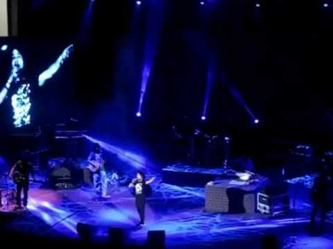 Saiyyan - Kailash Kher Live in Concert in Muscat '12
