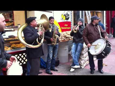 Free potatoes in Athens & street music
