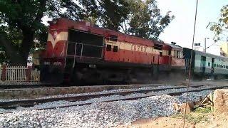 15023 Gorakhpur - Yesvantpur Express raging DUST in Kodigehalli