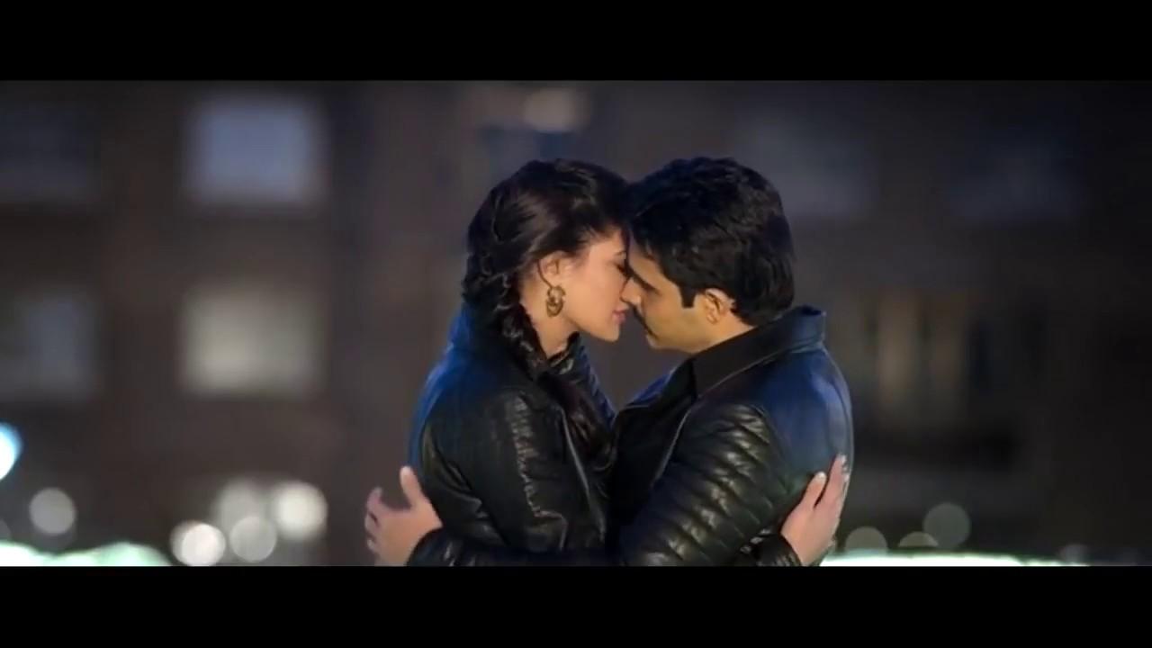 Emraan Hashmi Kissing With Prachi Desai Hot Kissing Scenes
