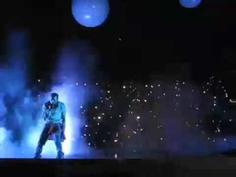 Kanye West Flashing Lights at Glasgow Concert.