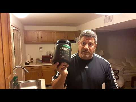 Comparing Cellucor C4 against PRE JYM pre workout drinks