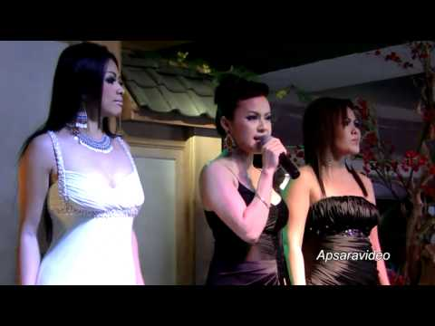 Jolida is singing a Cambodian Cha Cha Cha  at La Lune