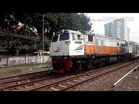 Kompilasi kereta api H-1 Lebaran