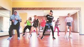 #zumba #twerk #hiphop ZUMBA CLASS - HIPHOP   Twerk - Cardi B.   Zumba Choreography