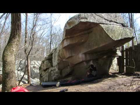 Stonefort Bouldering: Celestial Mechanics and Tennessee Thong