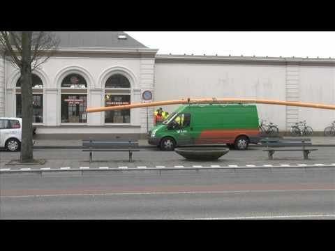 GPTV: BAM busje met te lange lading.