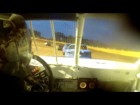 11 year old jordan fowler 8-9-14 Golden Isles Speedway feature race. in car cam