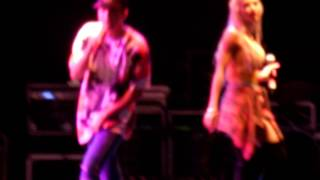 Pia Mia and Austin Mahone - Fill Me In (LIVE) 8/15/15