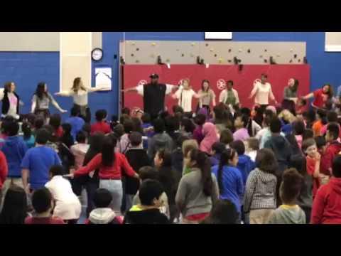 Glengary Elementary School- Mr Chris teaches the Jump Song
