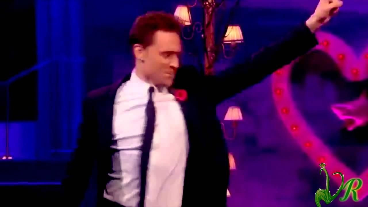 Tom Hiddleston & Chris Hemsworth   Dancing together