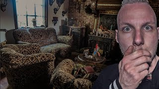 EXPLORING ABANDONED HOUSE FROZEN IN TIME AT NIGHT (FULL OF STUFFED ANIMALS)