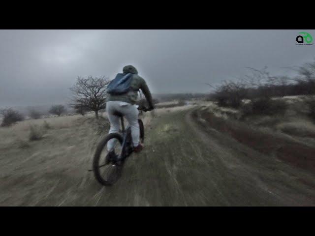 Aventuri pe bicicleta : Prin Zarand