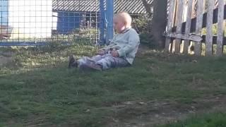 видео Спокойный ребенок