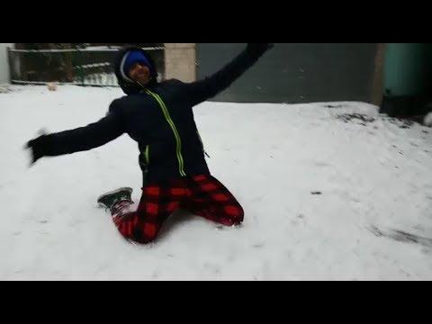 Dizzy Snow Battle | JR Dude Perfect | Our 1st Video