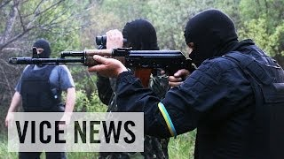Meeting the Donbas Battalion: Russian Roulette in Ukraine (Dispatch 39)(Subscribe to VICE News here: http://bit.ly/Subscribe-to-VICE-News With the Ukrainian army struggling to contain the grab for power by the self-proclaimed ..., 2014-05-20T18:36:11.000Z)