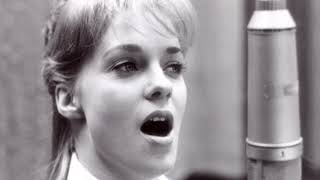 Connie Smith - Here Comes My Baby Back Again (Official Music Video)