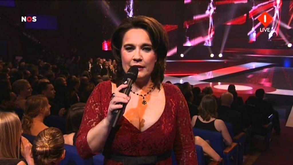 Dione de Graaff presentatrice NOS Studio Sport gala 12 ...