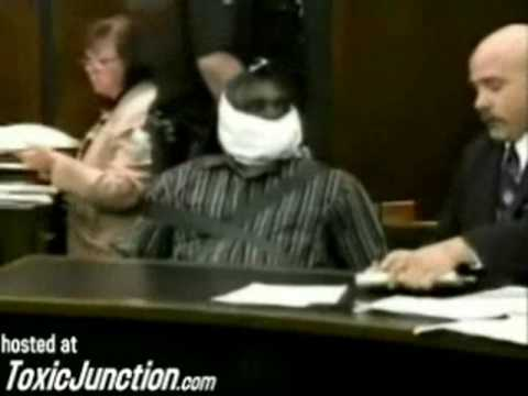 Dumb Suspect Attacks His Own Defense Attorney in Court