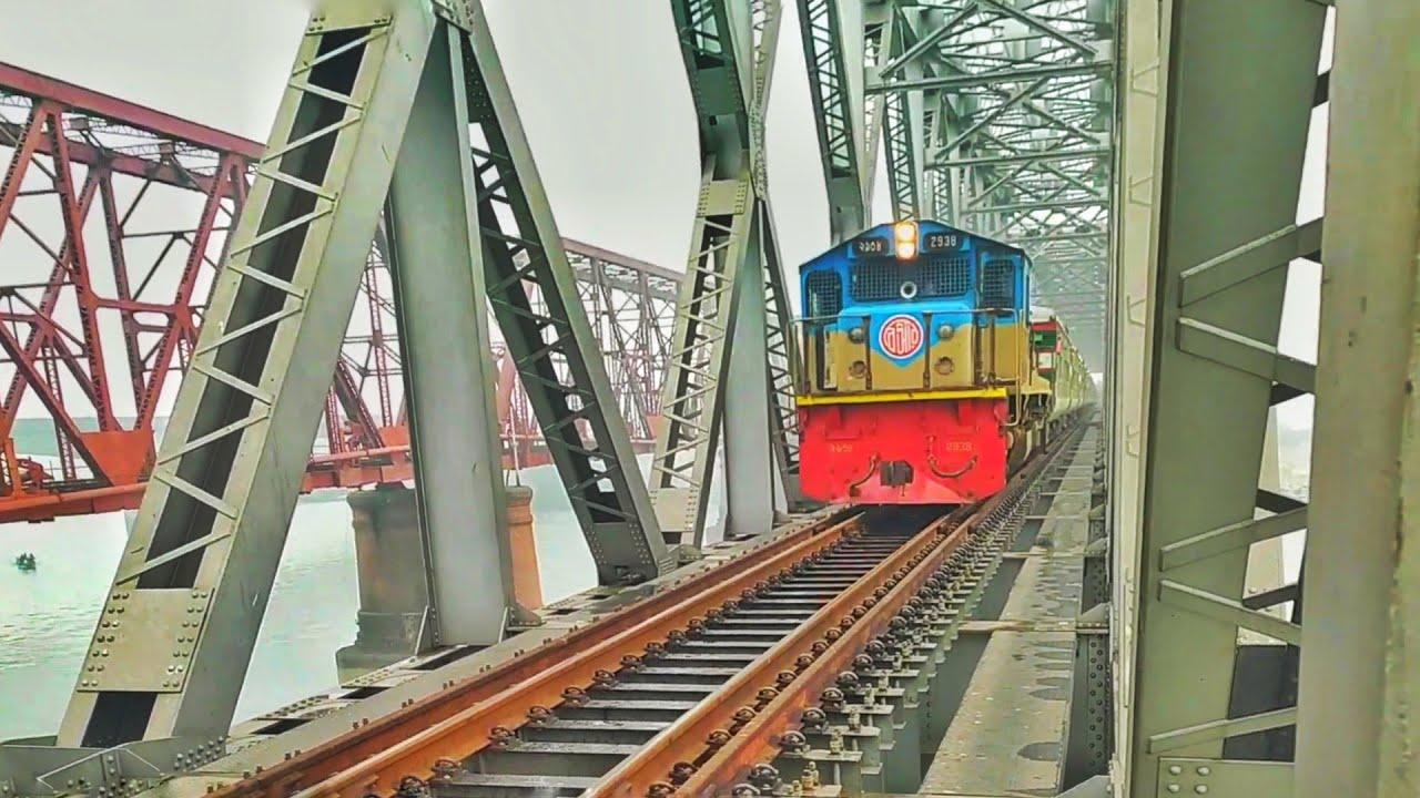 Non Stop Train Suborbo Express (PT INKA) In a Beautiful RailBridge