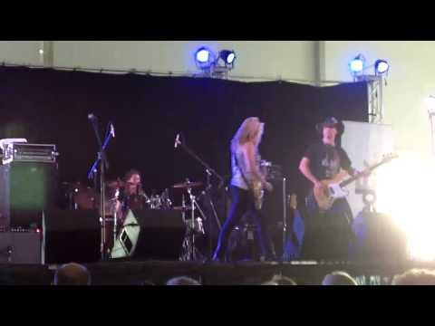 JOANNE SHAW TAYLOR AT THE BEALE STREET MUSIC FESTIVAL 2010