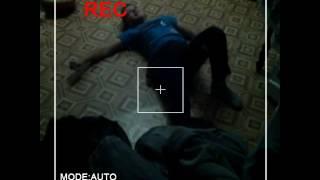 \Скрытая камера\€Пацан пытается подкачаться в домашних условиях]+Первое видео!