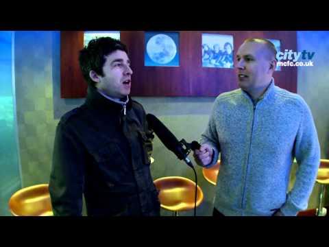 Noel Gallagher on Writing Wonderwall