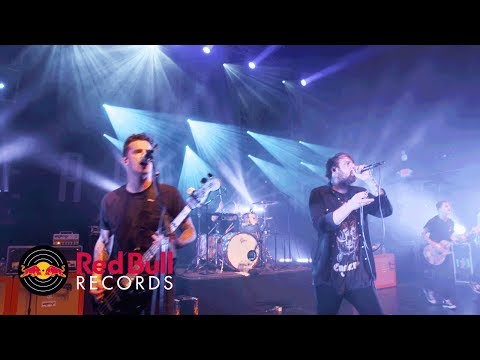 Beartooth - Sick Of Me (Official Live...
