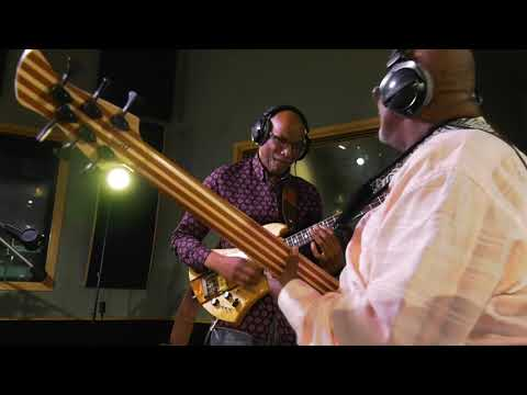 The Bass Walk: Abraham Laboriel