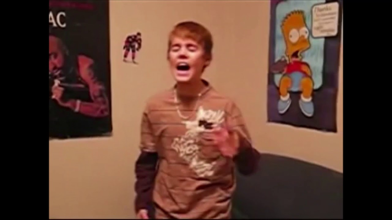 Most viewed video of Justin Bieber is Young Justin singing!