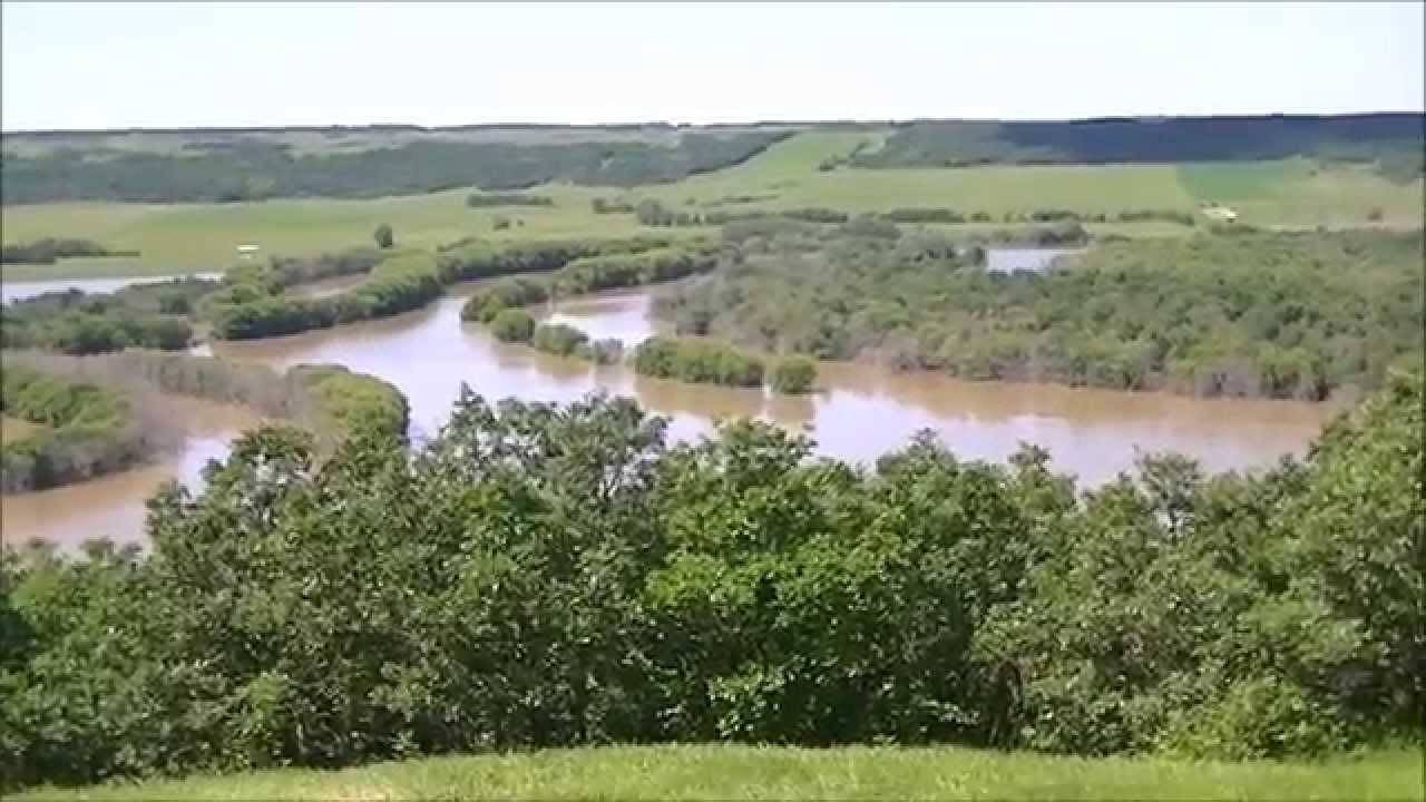 where do the red and assiniboine rivers meet